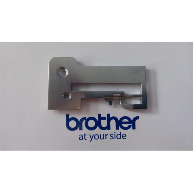 Игольная пластина Brother